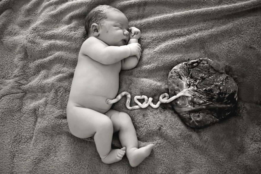 Photographer Creates Stunning Newborn Pic by Spelling Out the Word 'LOVE' with the Umbilical Cord